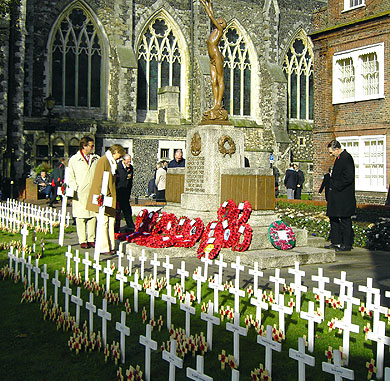 The Dover Town War Memorial, Remembrance Sunday 2005, photographed by Simon Chambers